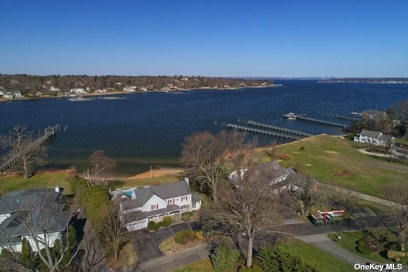 Residential for Sale at 7 Bayside Drive Manhasset, New York 11030 United States