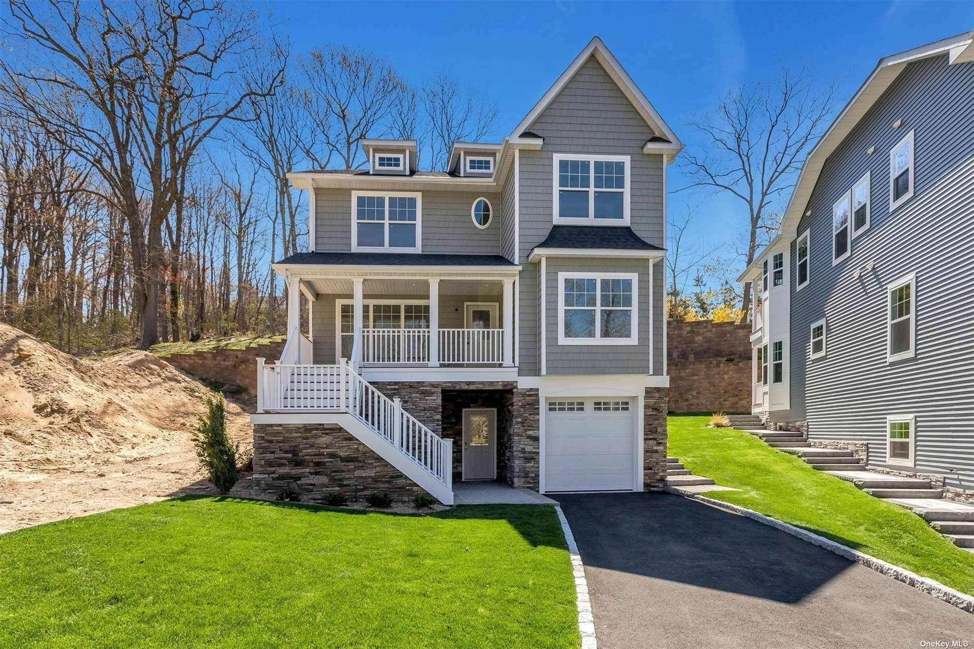 Residential for Sale at 3 Piccadilly Court Port Jefferson, New York 11777 United States