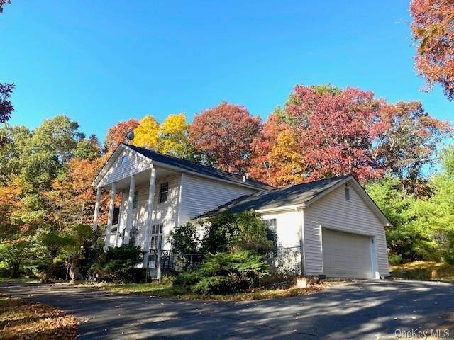 Residential for Sale at 5 Drapak Lane Glen Spey, New York 12737 United States