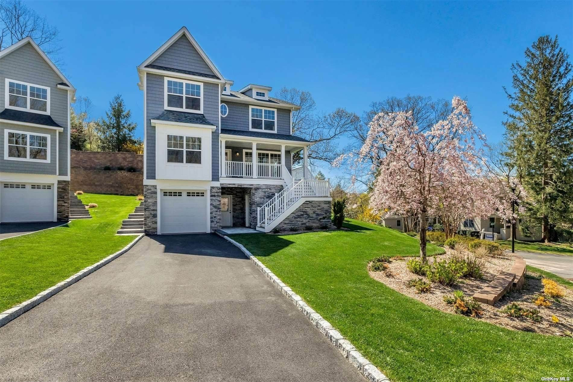 Residential for Sale at 5 Piccadilly Court, Pt.Jefferson Vil, NY 11777 Port Jefferson, New York 11777 United States