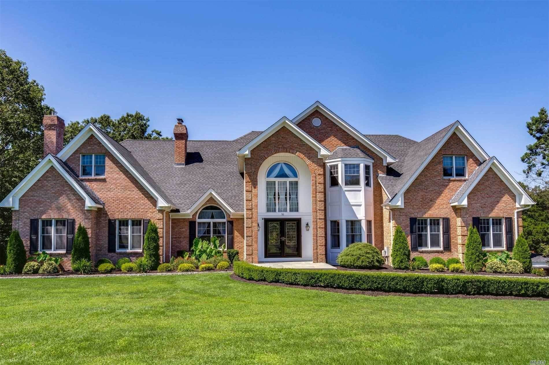 Residential for Sale at 16 Wood Hollow Lane Northport, New York 11768 United States