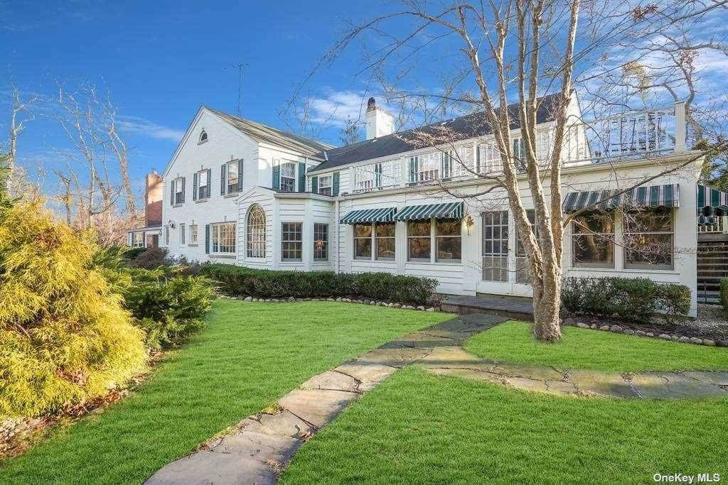 Residential for Sale at 315 Stillwell Lane Laurel Hollow, New York 11791 United States