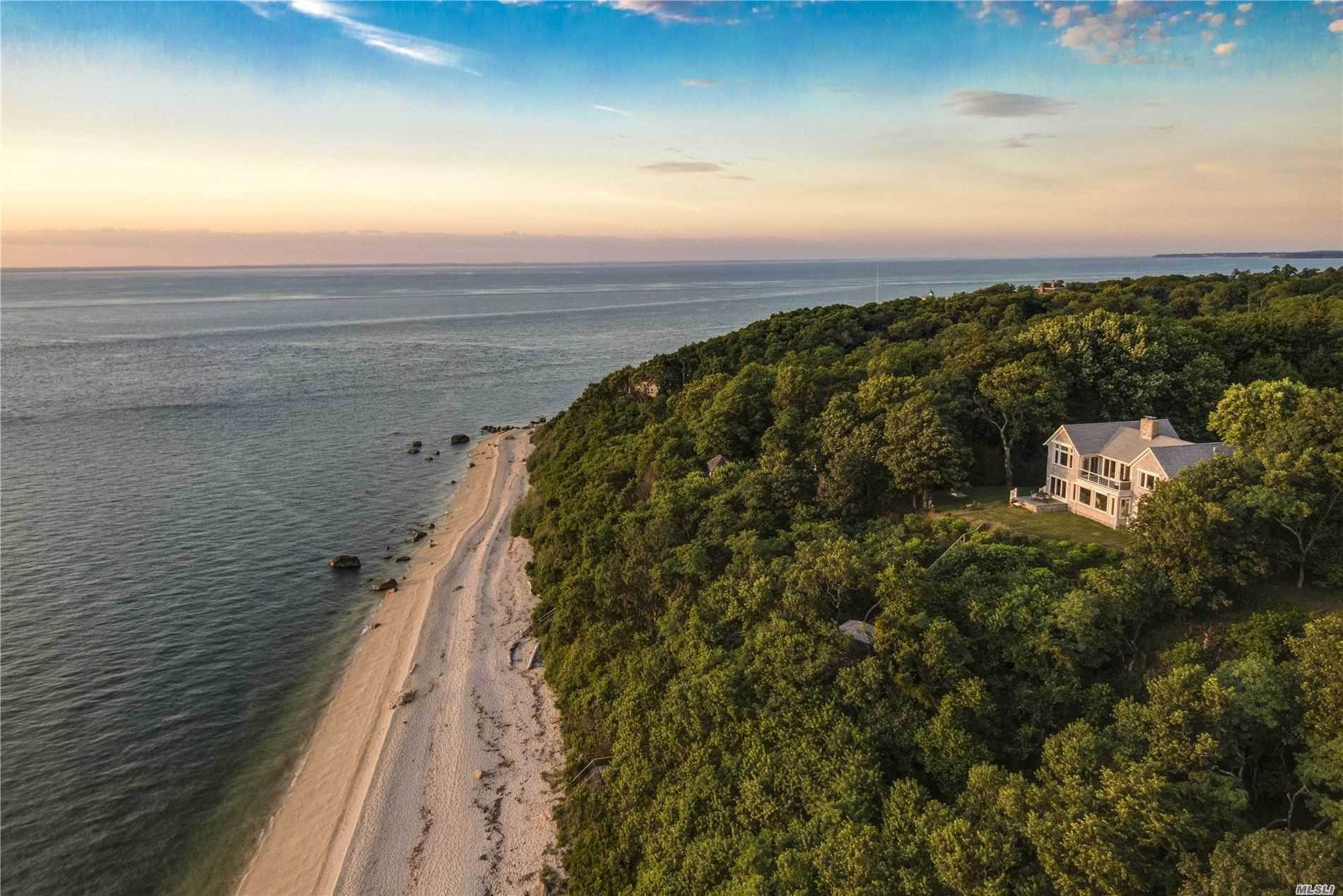 Residential for Sale at 1600 Hyatt Road Southold, New York 11971 United States