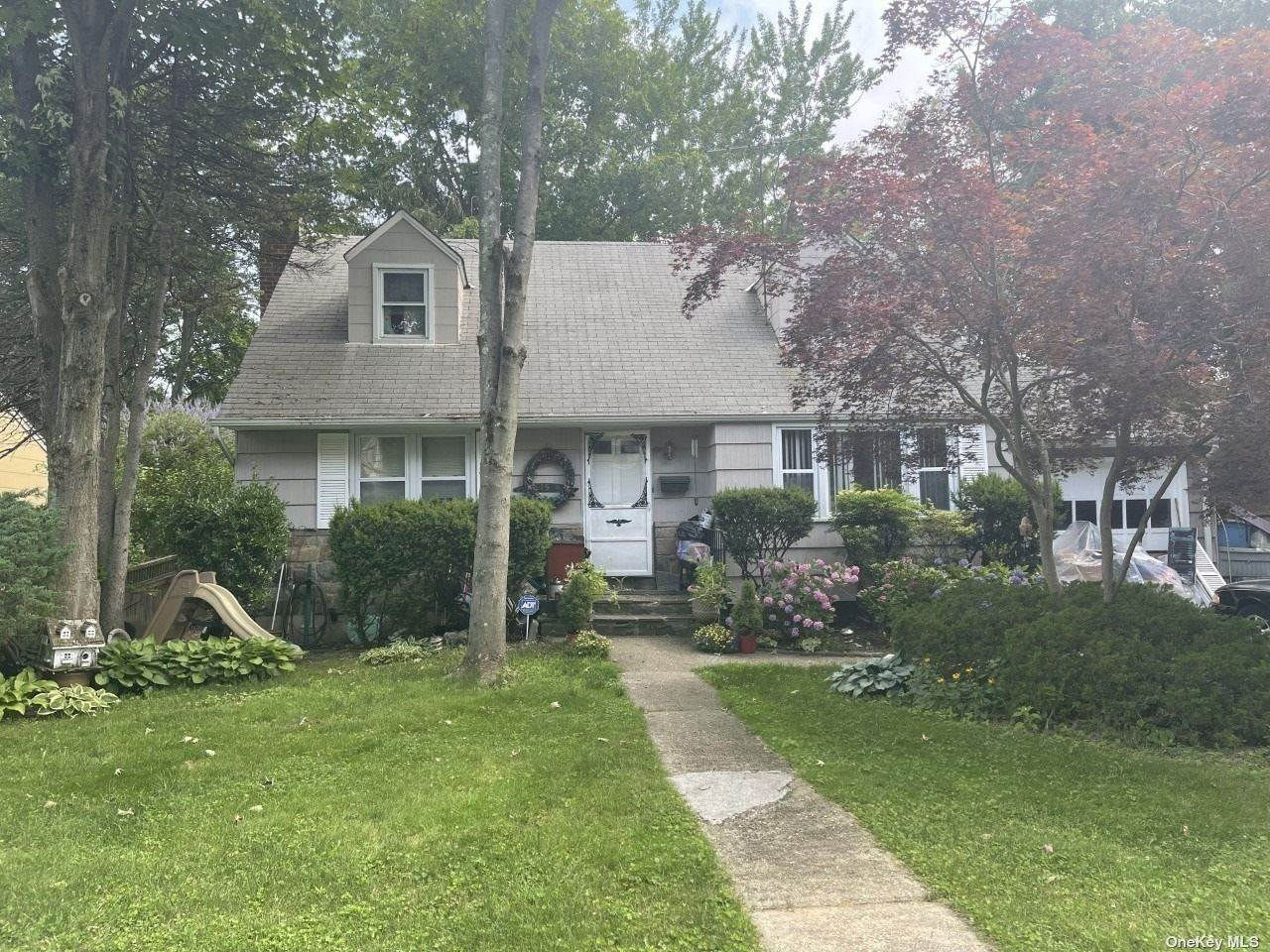 Residential for Sale at 15 Searingtown Road, Albertson, NY 11507 Albertson, New York 11507 United States