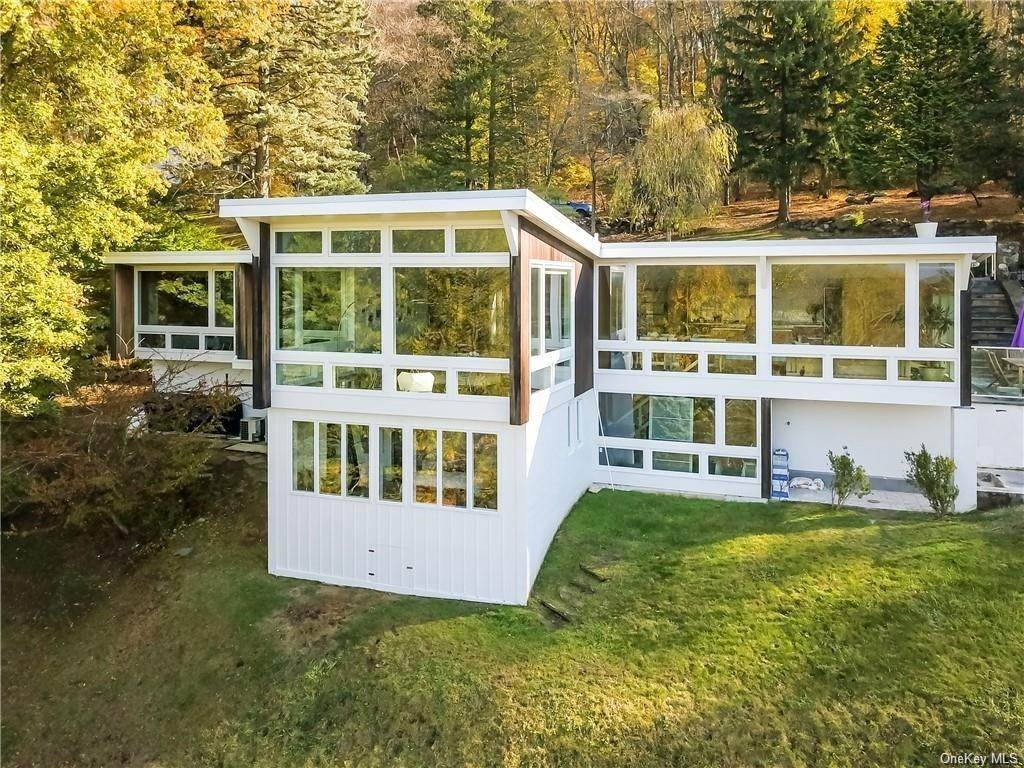 Residential for Sale at 52 Upland Lane Croton On Hudson, New York 10520 United States
