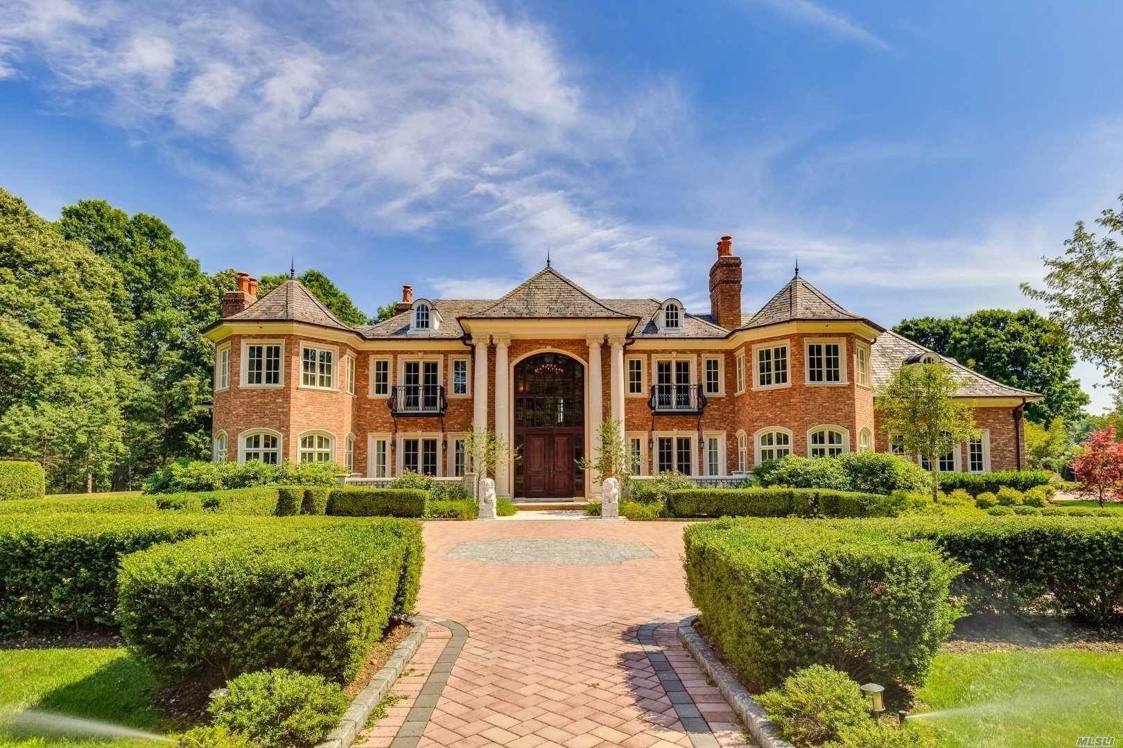 Residential for Sale at 136 I U Willets Road Old Westbury, New York 11568 United States