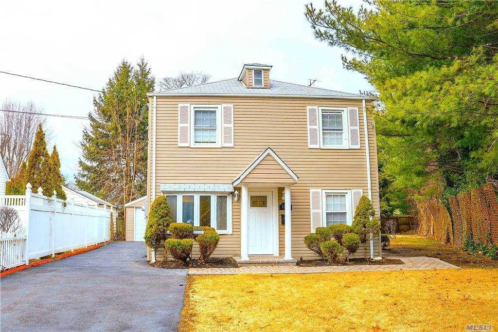 Residential for Sale at 1337 Cambria Street Uniondale, New York 11553 United States