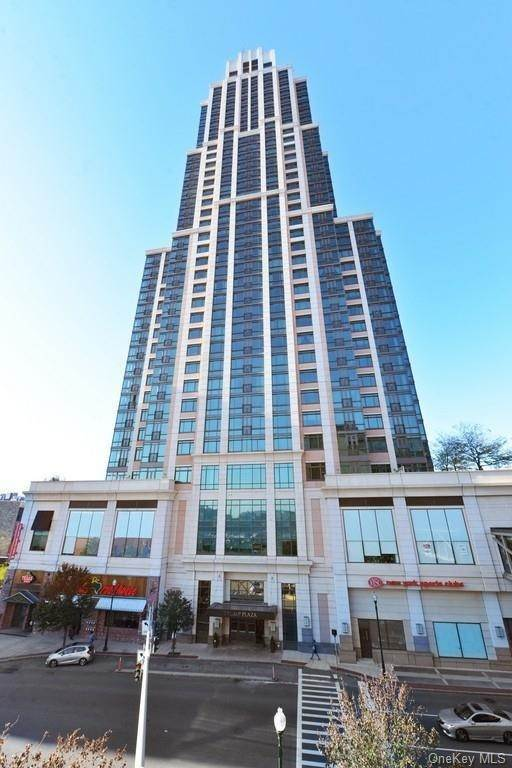 Residential Lease الساعة 175 Huguenot Street # 1106 New Rochelle, New York 10801 United States