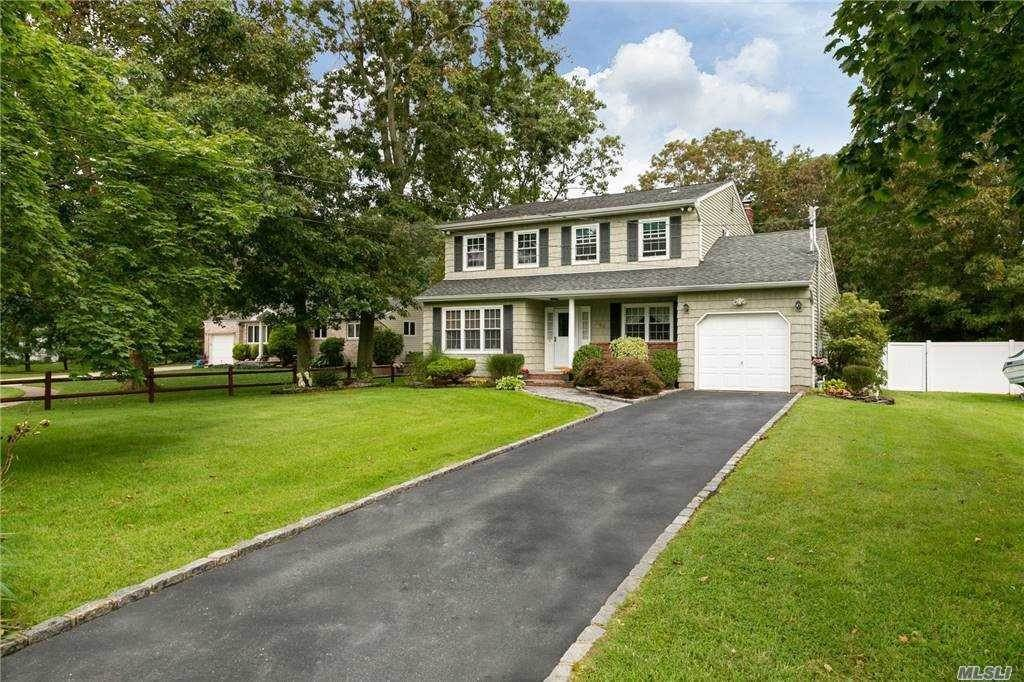 Residential for Sale at 399 Cedarhurst Street, Islip Terrace, NY 11752 Islip Terrace, New York 11752 United States