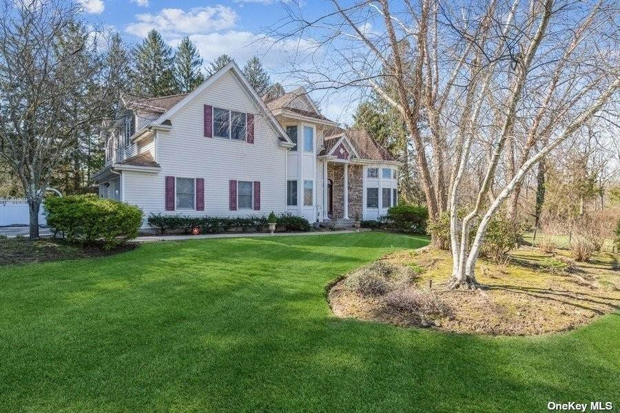 Residential for Sale at 11 Martingale Gate Fort Salonga, New York 11768 United States