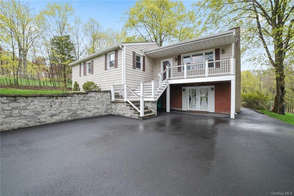 Residential for Sale at 6 Brisman Drive Thiells, New York 10984 United States