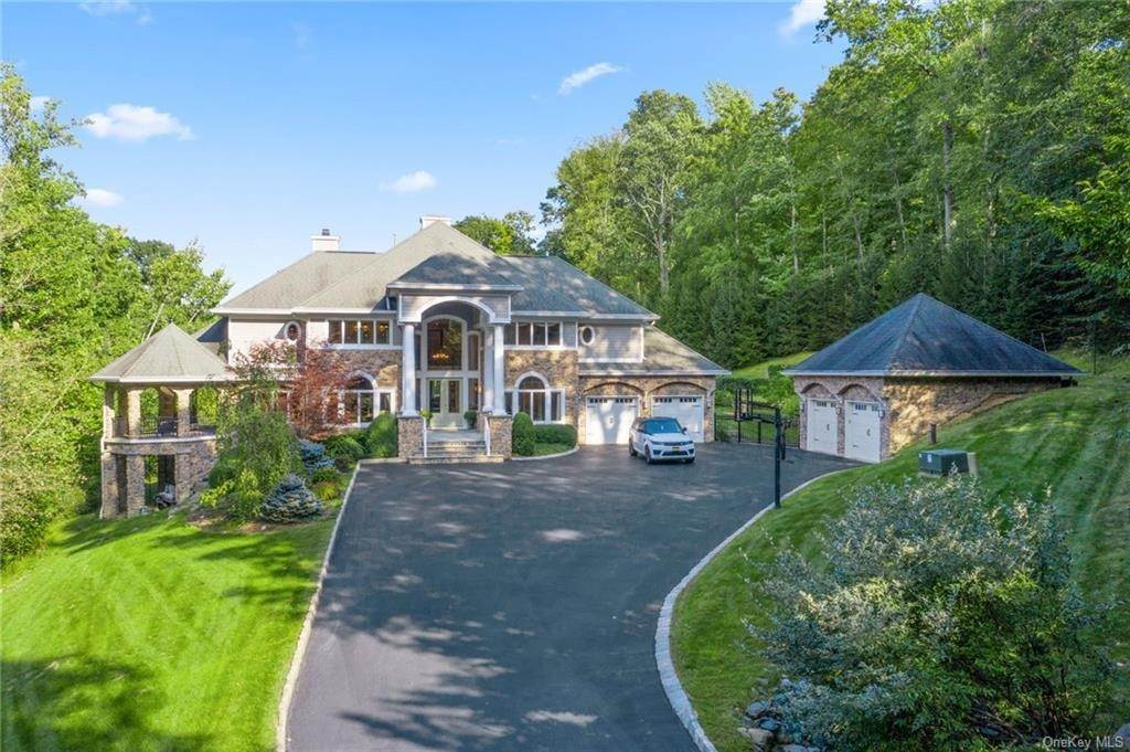 Residential for Sale at 3 Northface Sloatsburg, New York 10974 United States