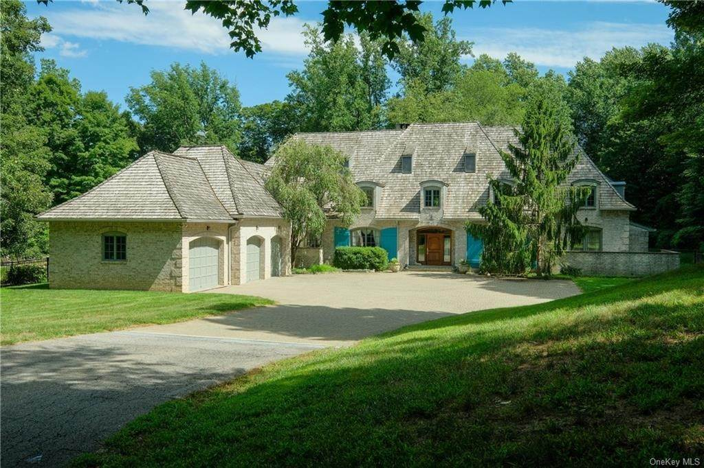 Residential for Sale at 60 Haights Cross Road Chappaqua, New York 10514 United States