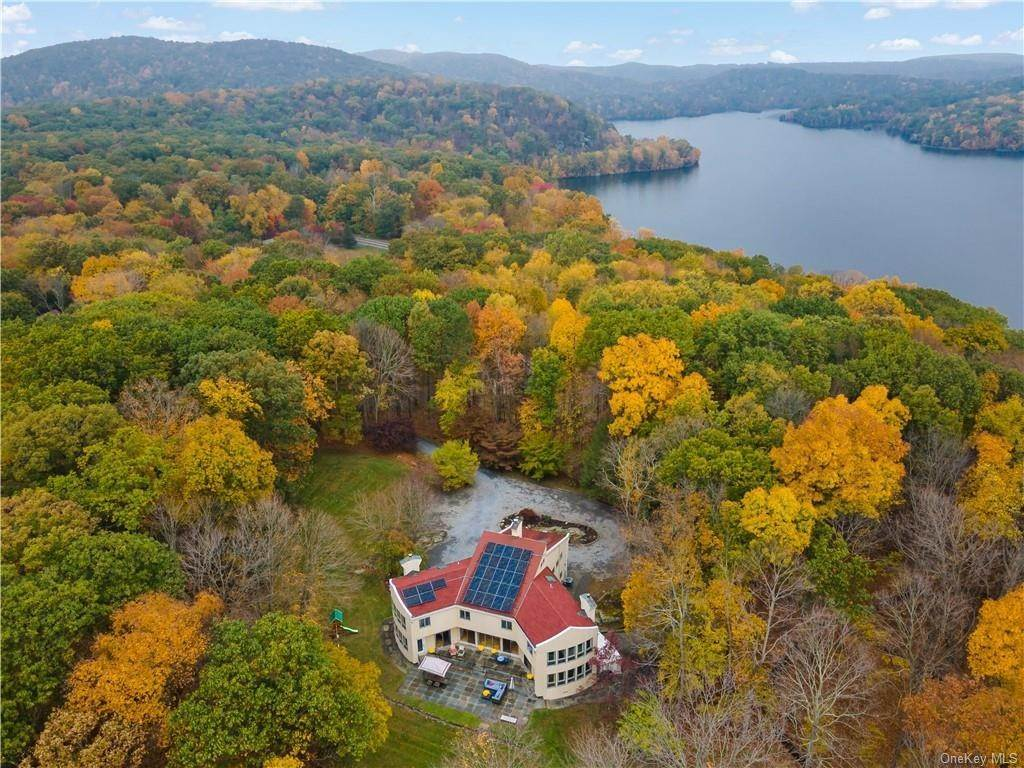 Residential for Sale at 32 Fox Run Road Croton On Hudson, New York 10520 United States