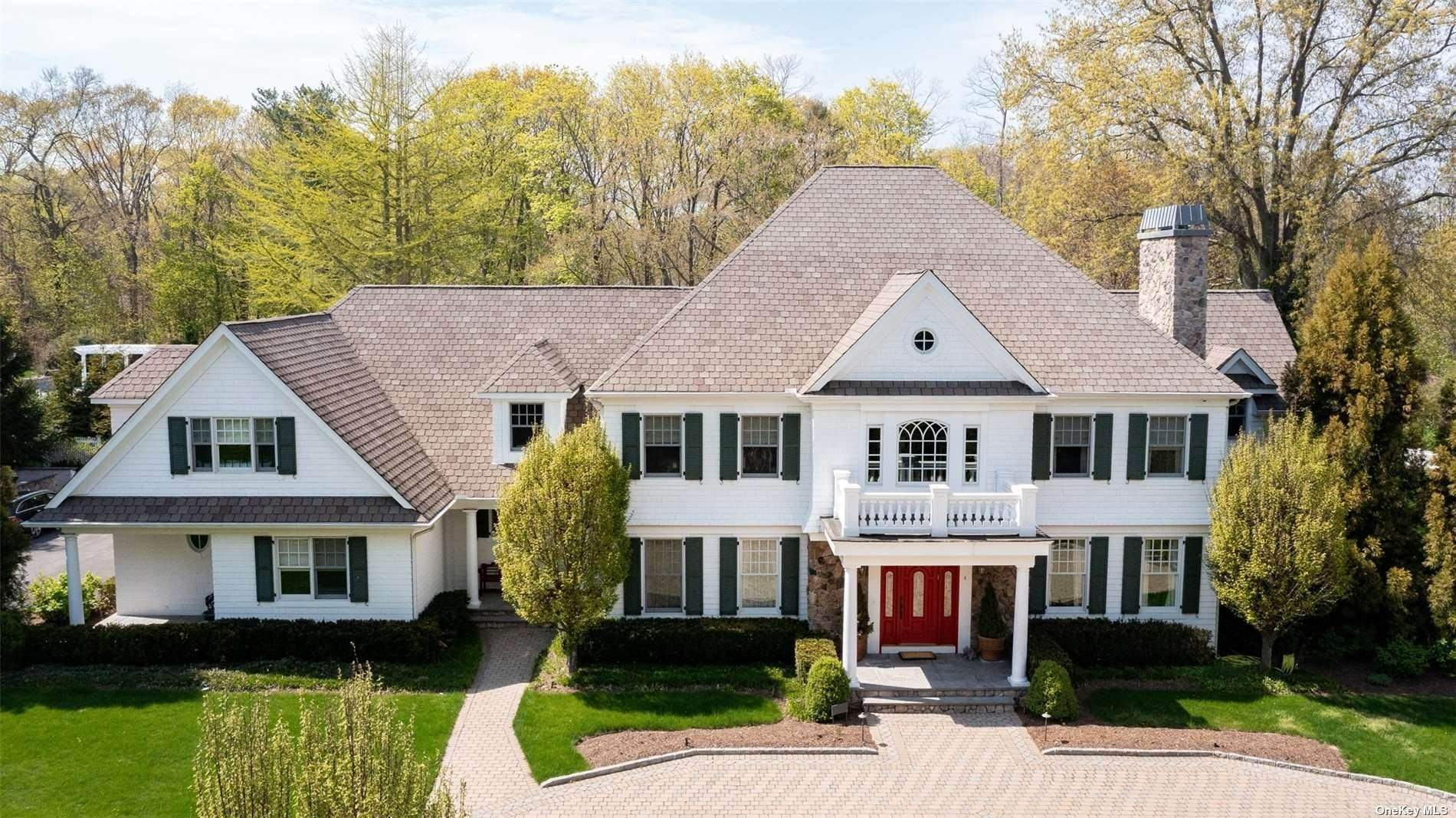 Residential for Sale at 5 Middle Hollow Road Lloyd Harbor, New York 11743 United States