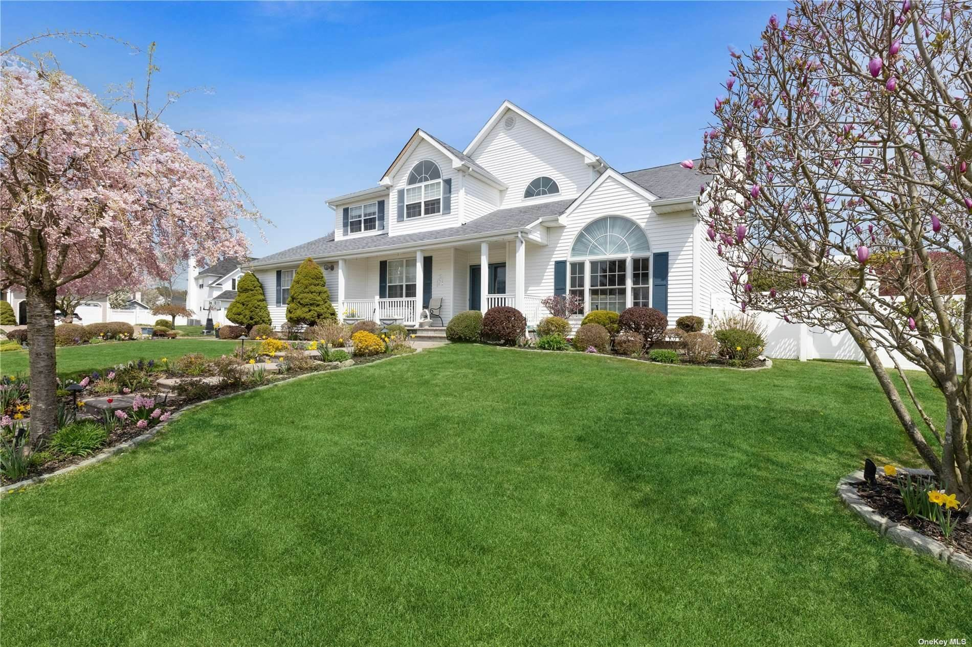 Residential for Sale at 1 Laurel Lane Holtsville, New York 11742 United States