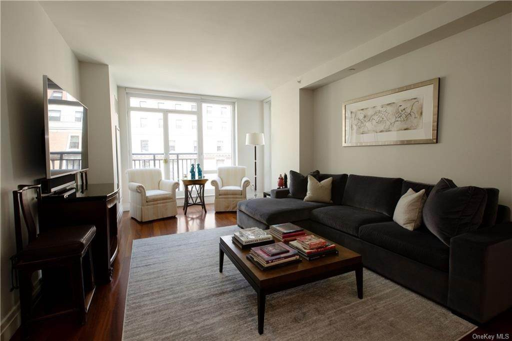 Residential Lease الساعة 45 Park Avenue # 803 New York, New York 10016 United States
