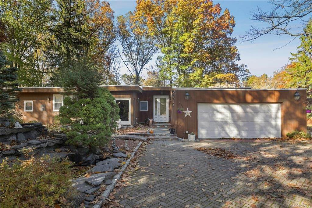 Residential for Sale at 16 Dyckman Drive, Cortlandt, NY 10547 Mohegan Lake, New York 10547 United States
