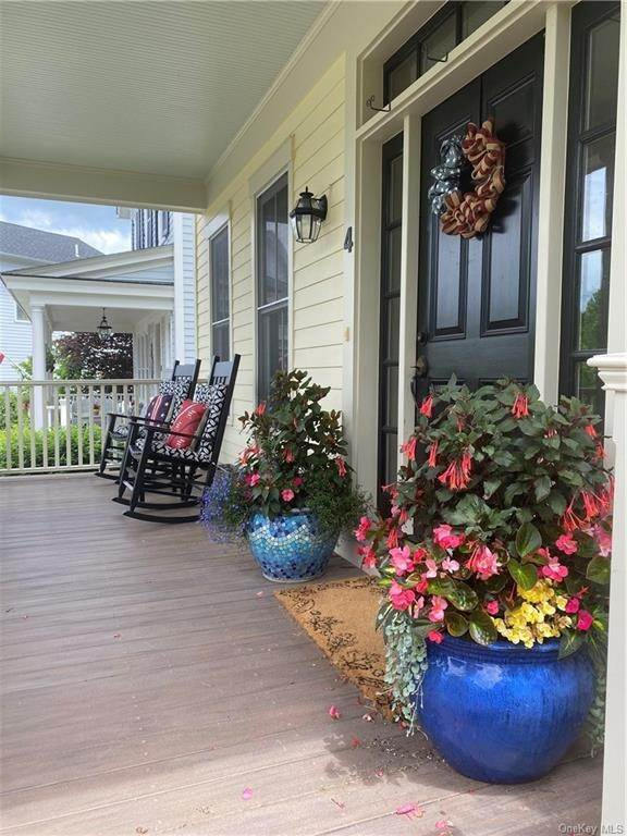 Residential for Sale at 4 White Oak Street, Warwick, NY 10990 Warwick, New York 10990 United States