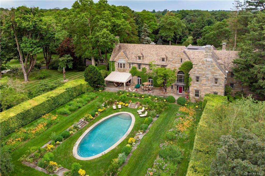 Residential for Sale at 7 Sky Meadow Farm Purchase, New York 10577 United States