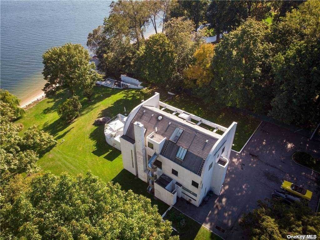 Residential for Sale at 27 Astor Lane, Sands Point, NY 11050 Sands Point, New York 11050 United States