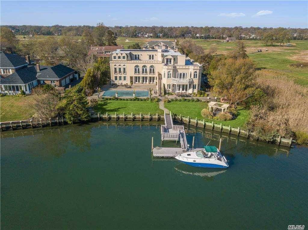 Residential for Sale at 55 Thixton Drive Hewlett Harbor, New York 11557 United States