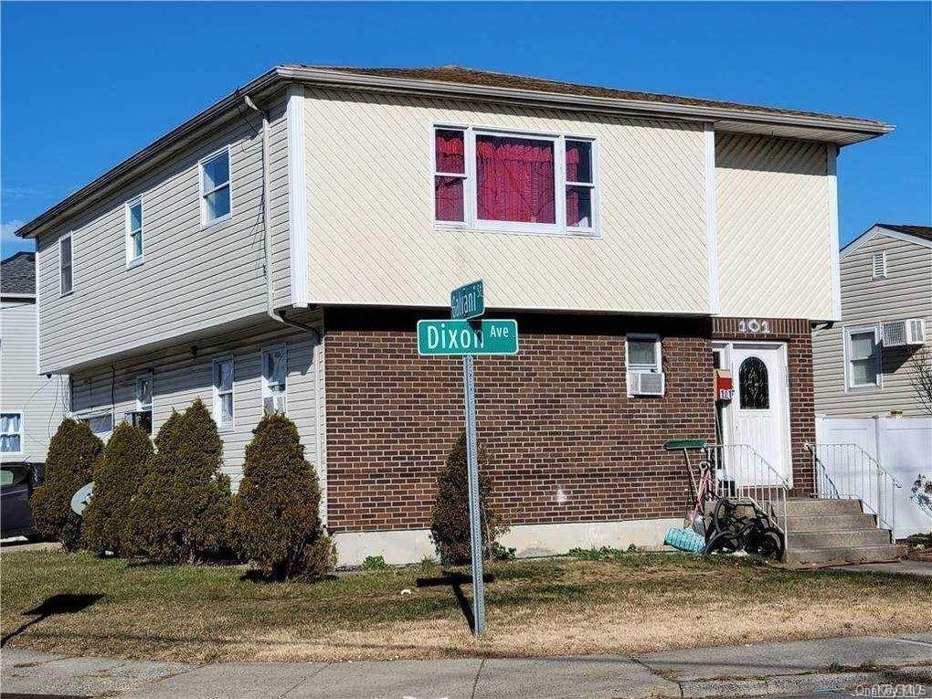 Residential for Sale at 101 Dixion Avenue Copiague, New York 11726 United States