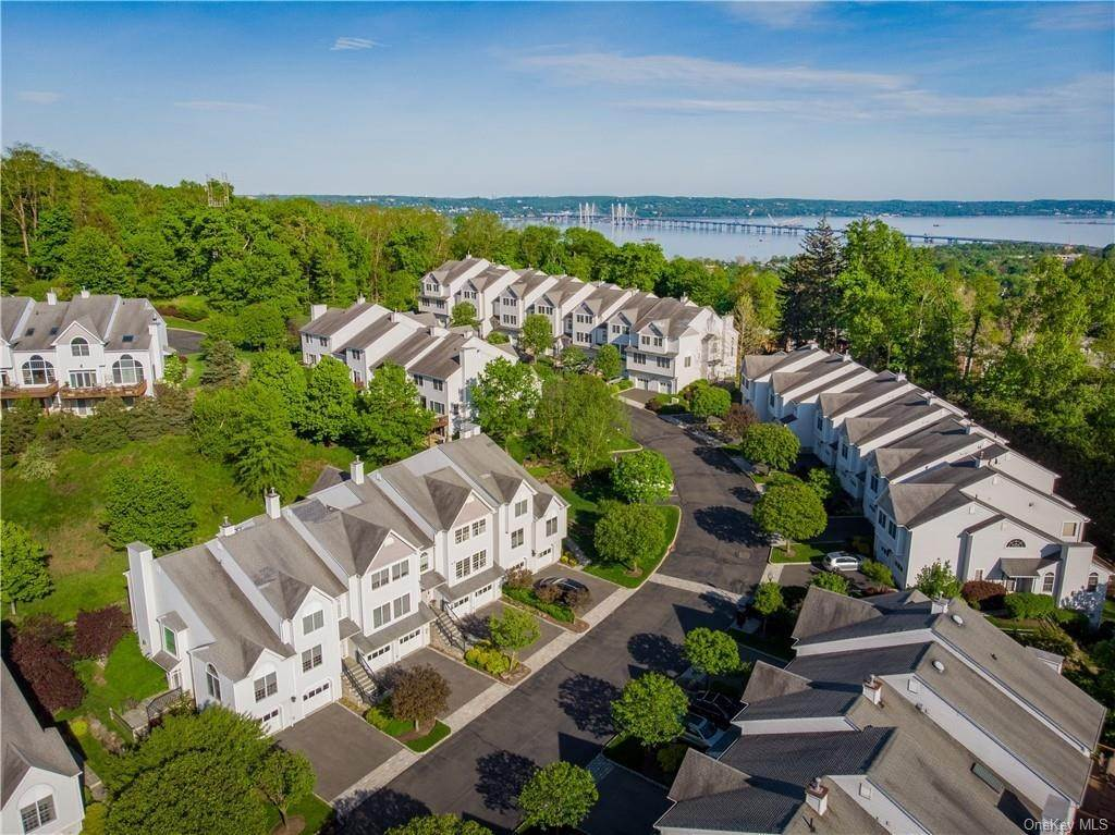 Residential for Sale at 39 Forest Ridge Road, Clarkstown, NY 10960 Nyack, New York 10960 United States