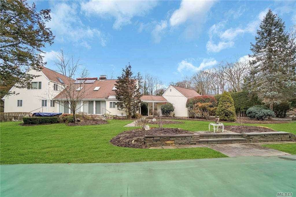 Residential for Sale at 11 Fiddlers Green Drive, Lloyd Neck, NY 11743 Lloyd Neck, New York 11743 United States