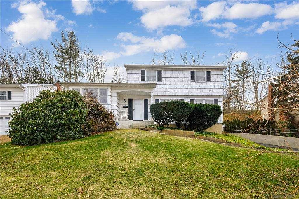 Residential for Sale at 90 Sunny Hill Drive East Norwich, New York 11732 United States