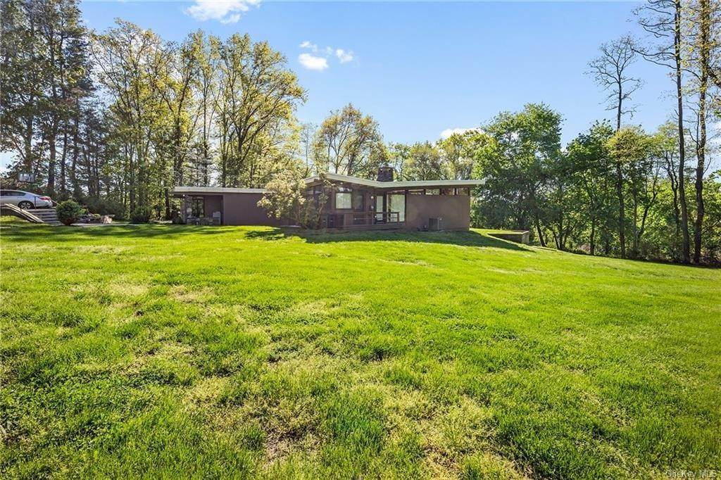 Residential for Sale at 9 Dellwood Lane Ardsley, New York 10502 United States
