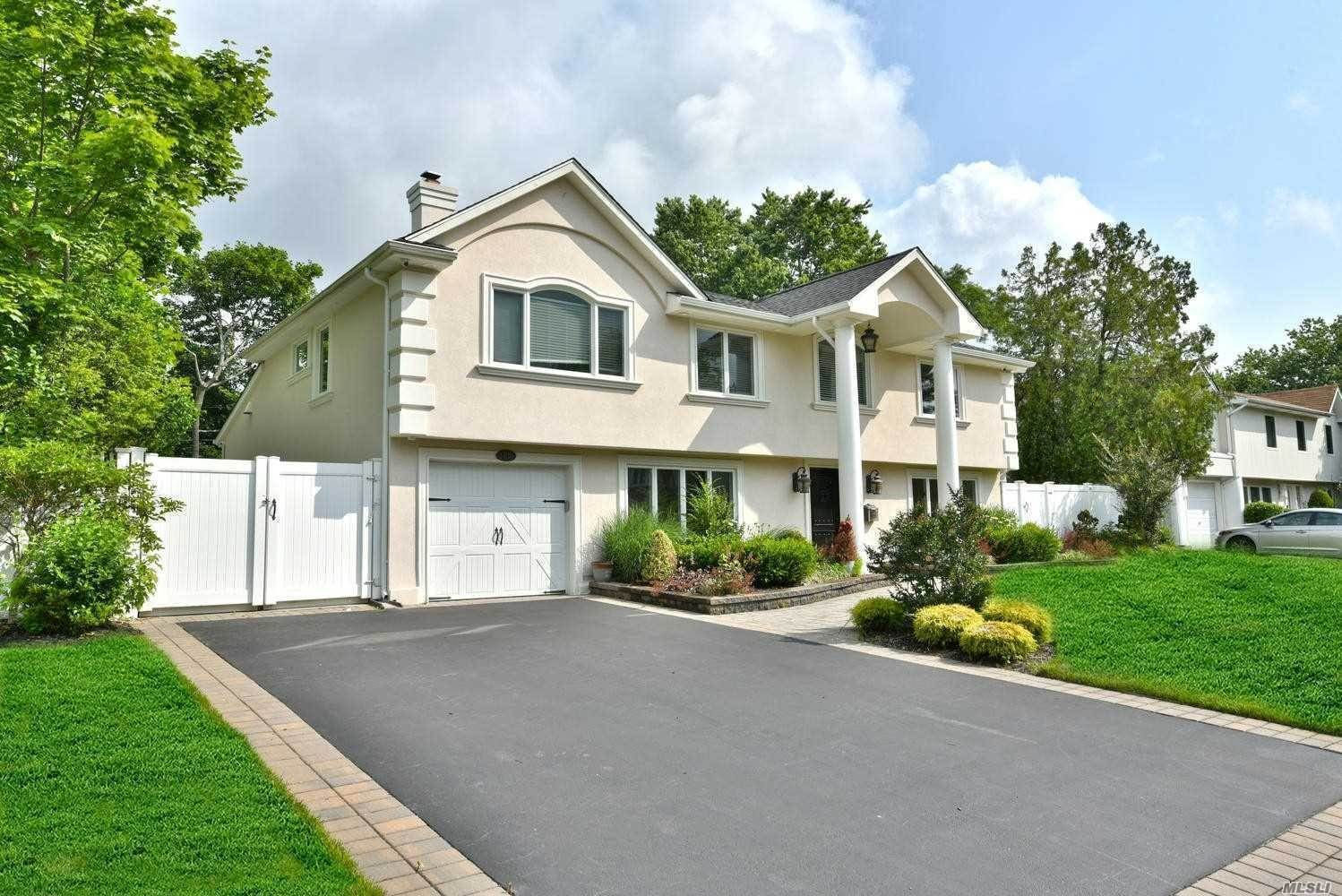 Residential for Sale at 21 Lesley Lane, Old Bethpage, NY 11804 Old Bethpage, New York 11804 United States