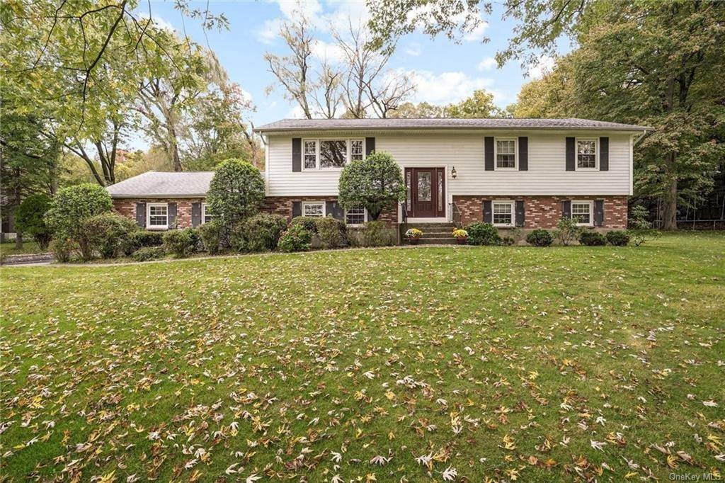 Residential for Sale at 4 Arden Drive, Somers, NY 10501 Amawalk, New York 10501 United States