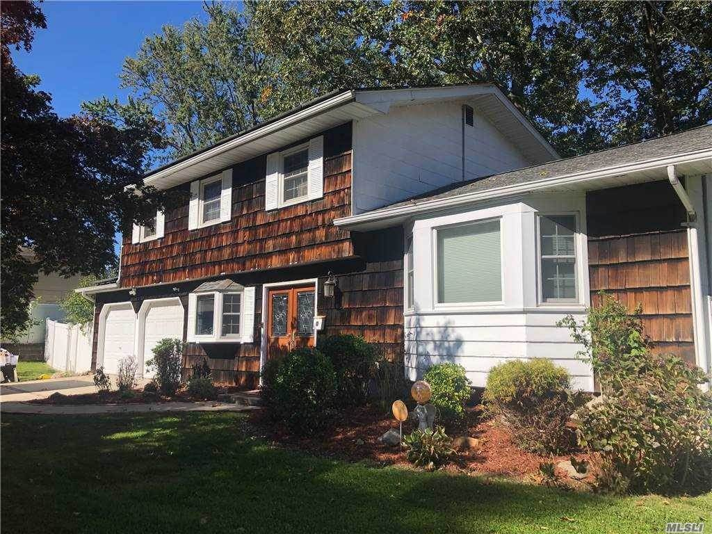 Residential for Sale at 1 Perry Lane, Wheatley Heights, NY 11798 Wheatley Heights, New York 11798 United States