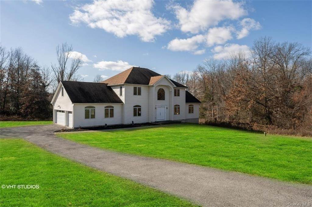 Residential for Sale at 6 Wynthrop Manor Drive, Goshen, NY 10924 Goshen, New York 10924 United States