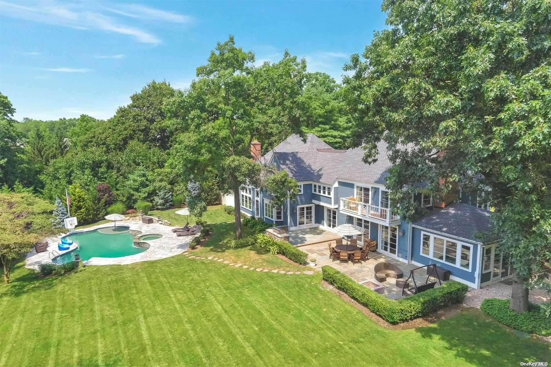 Residential for Sale at 12 Cherrywood Road Locust Valley, New York 11560 United States