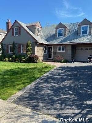 Residential for Sale at 14 Columbia Avenue Cedarhurst, New York 11516 United States