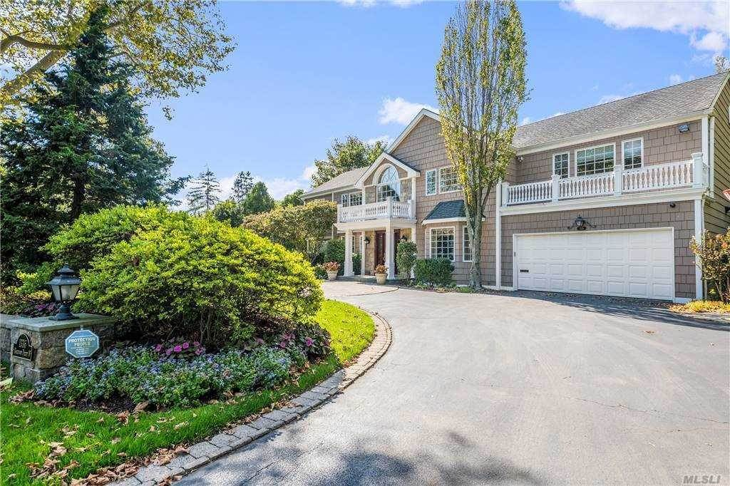 Residential for Sale at 1336 Boxwood Dr West Hewlett Harbor, New York 11557 United States