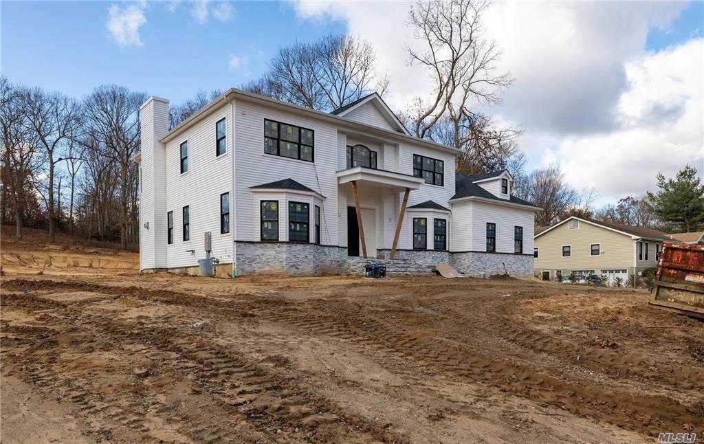 Residential for Sale at 16 Sleepy Hollow Lane Dix Hills, New York 11746 United States
