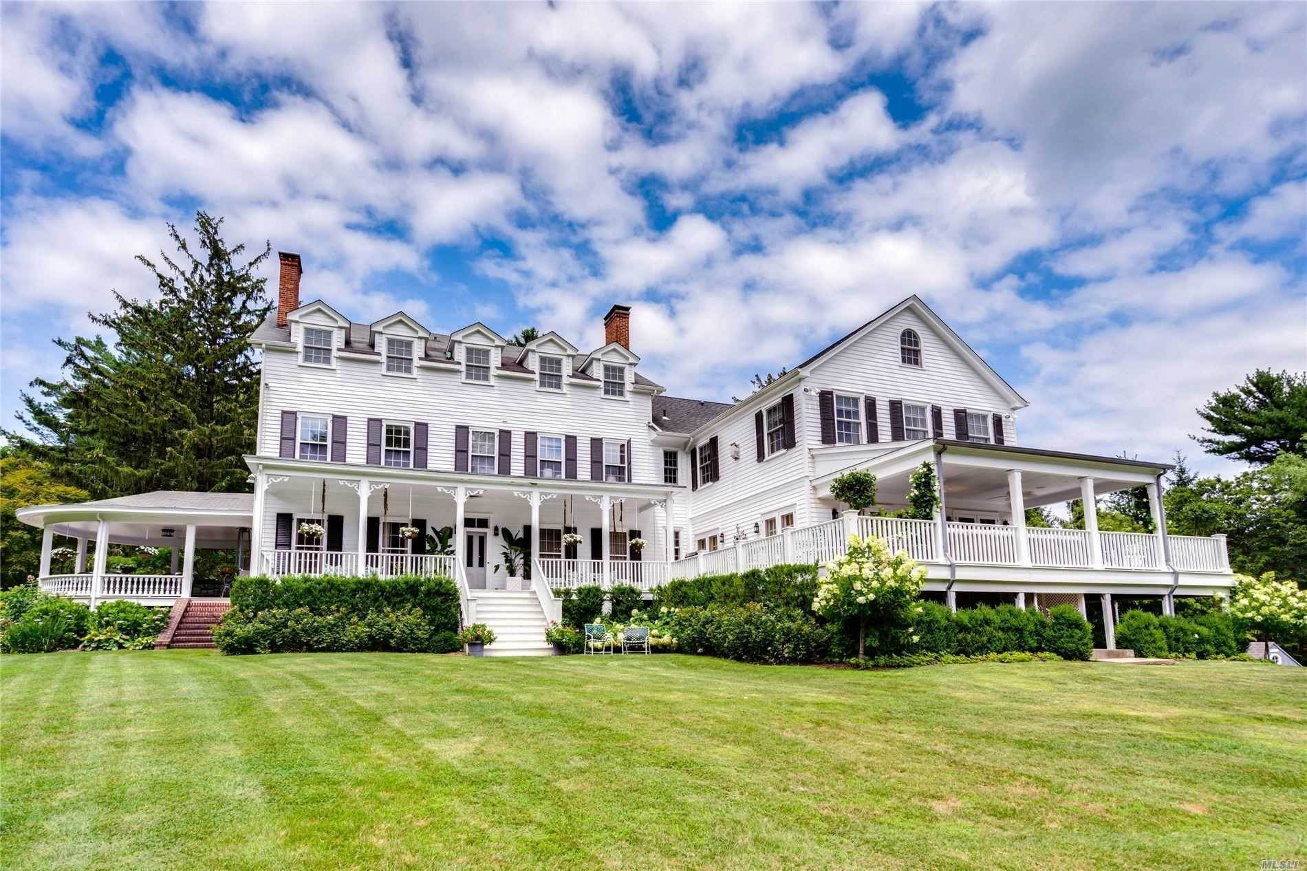 Residential for Sale at 9 Ludlam Lane Locust Valley, New York 11560 United States