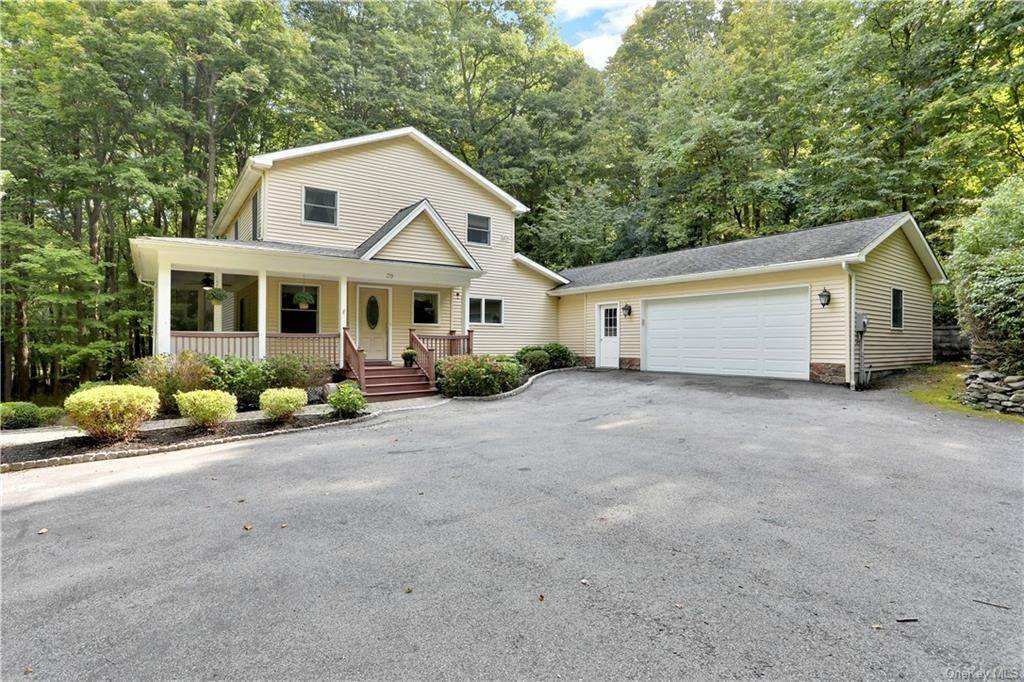Residential للـ Sale في 39 Fawn Hill Road Cornwall, New York 12518 United States