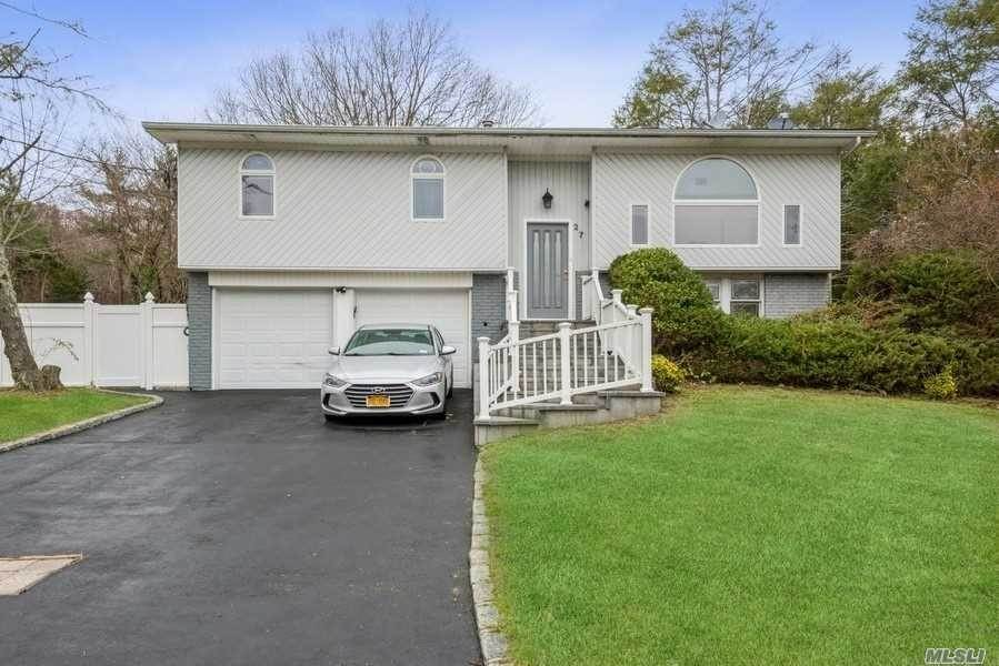 Residential for Sale at 27 Manchester Boulevard, Wheatley Heights, NY 11798 Wheatley Heights, New York 11798 United States