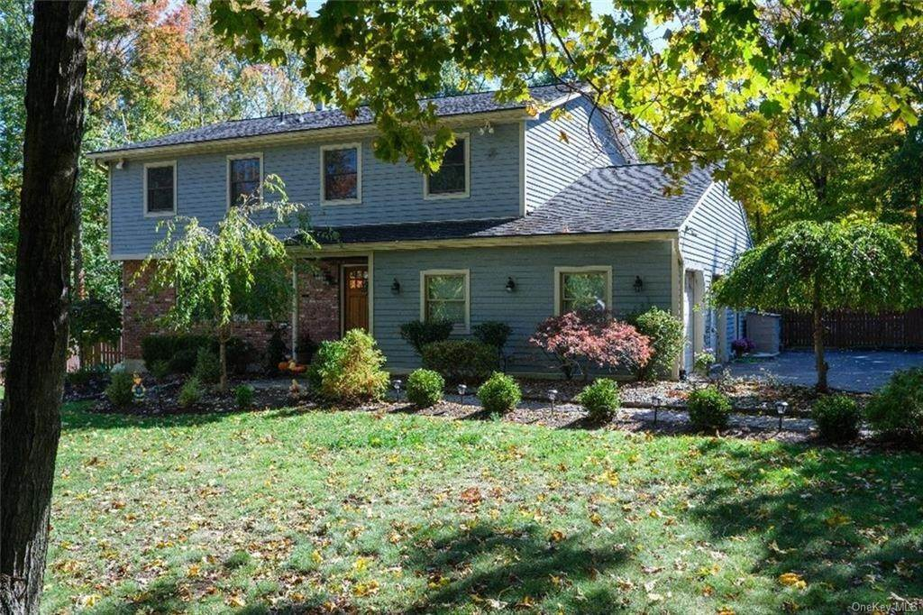 Residential for Sale at 5 Kenbar Road, Clarkstown, NY 10994 West Nyack, New York 10994 United States