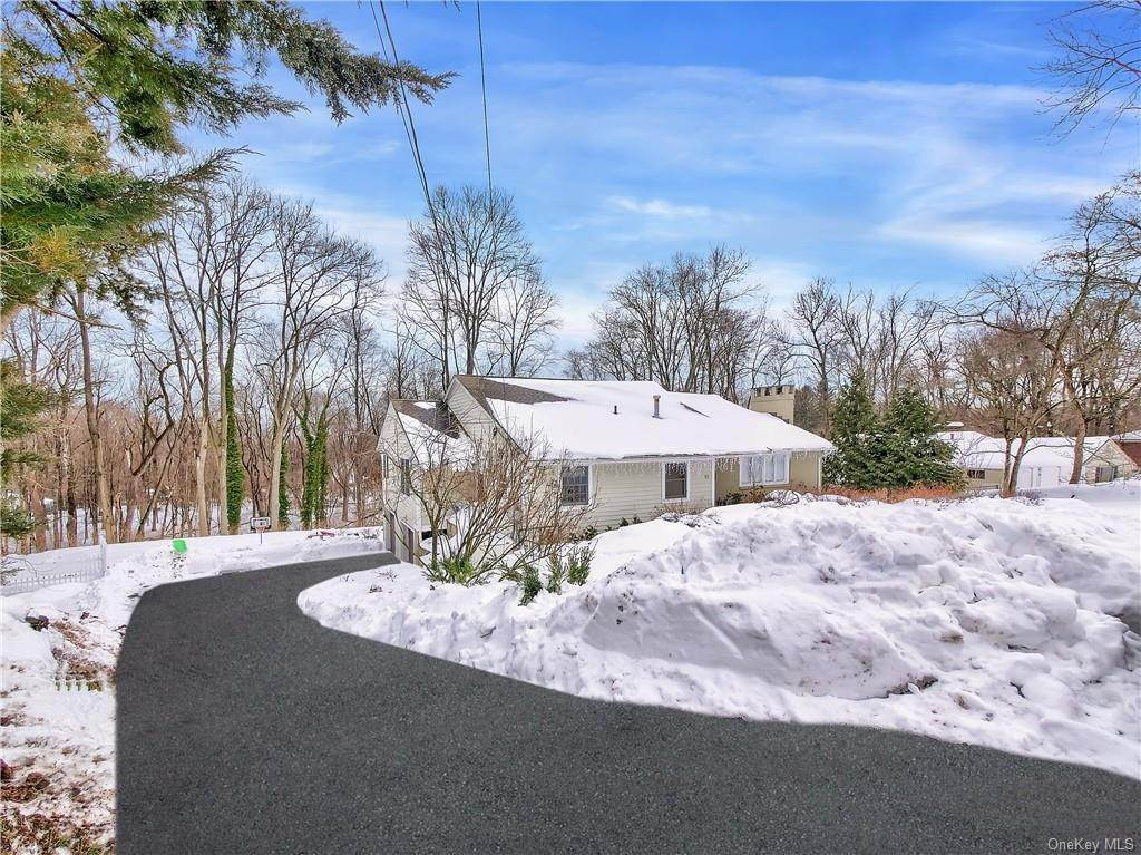 Residential for Sale at 10 Wheeler Place W, Clarkstown, NY 10994 West Nyack, New York 10994 United States