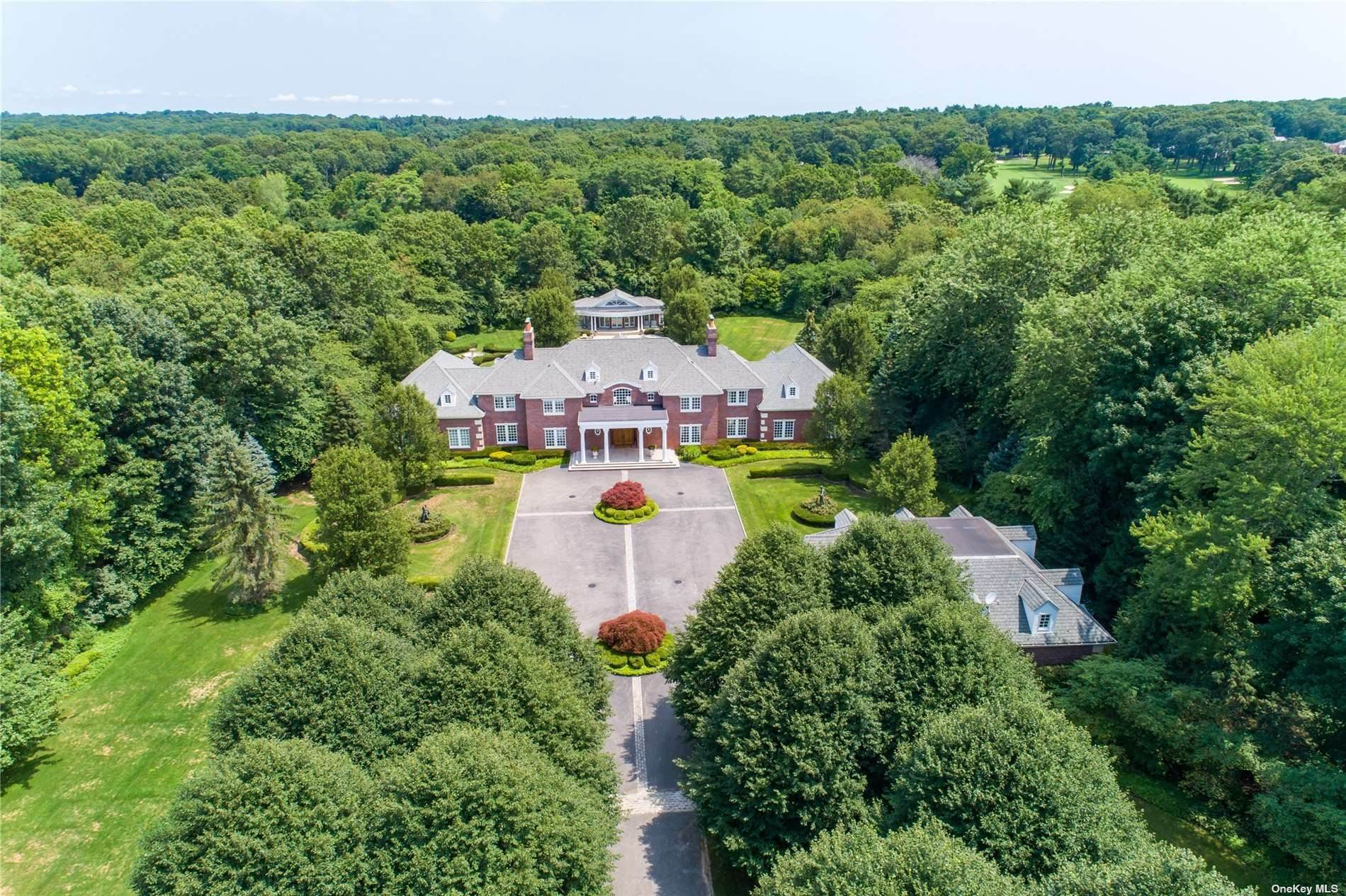 Residential for Sale at 1 Bel Air Court Upper Brookville, New York 11771 United States