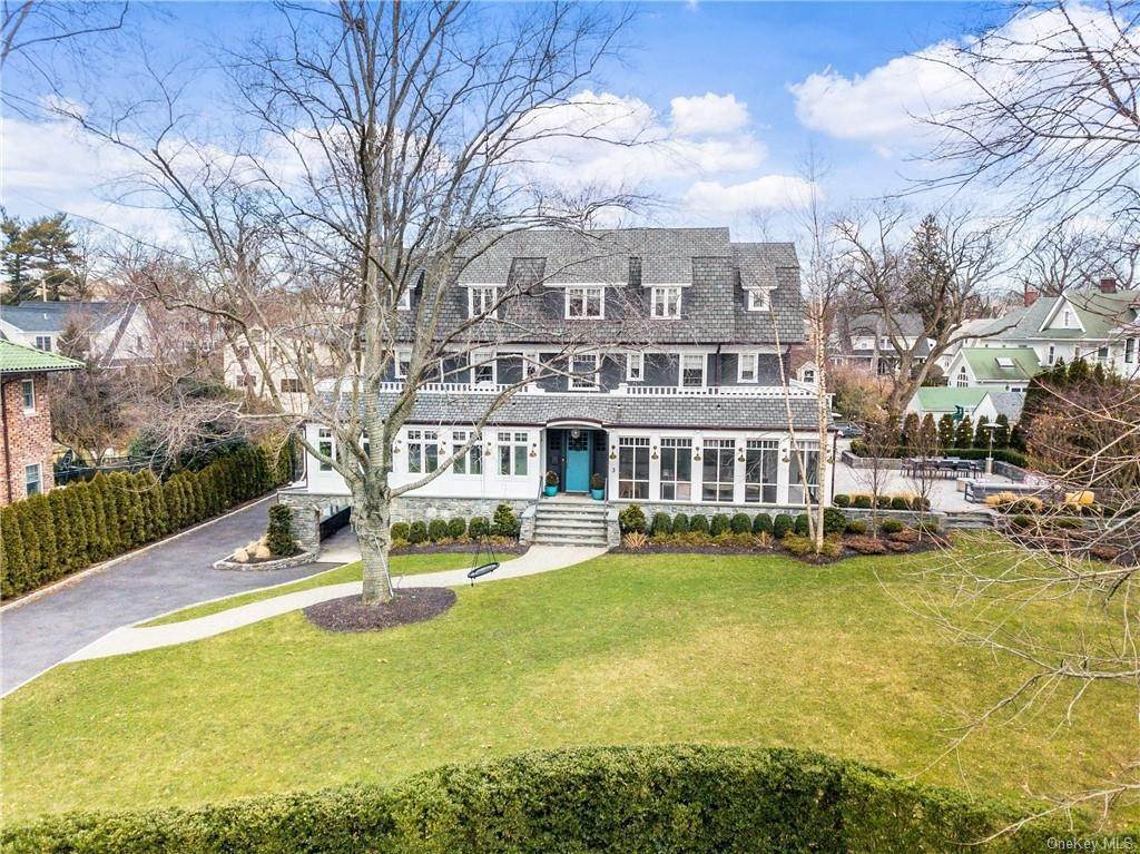 Residential for Sale at 3 Wakeman Place, Mamaroneck, NY 10538 Larchmont, New York 10538 United States