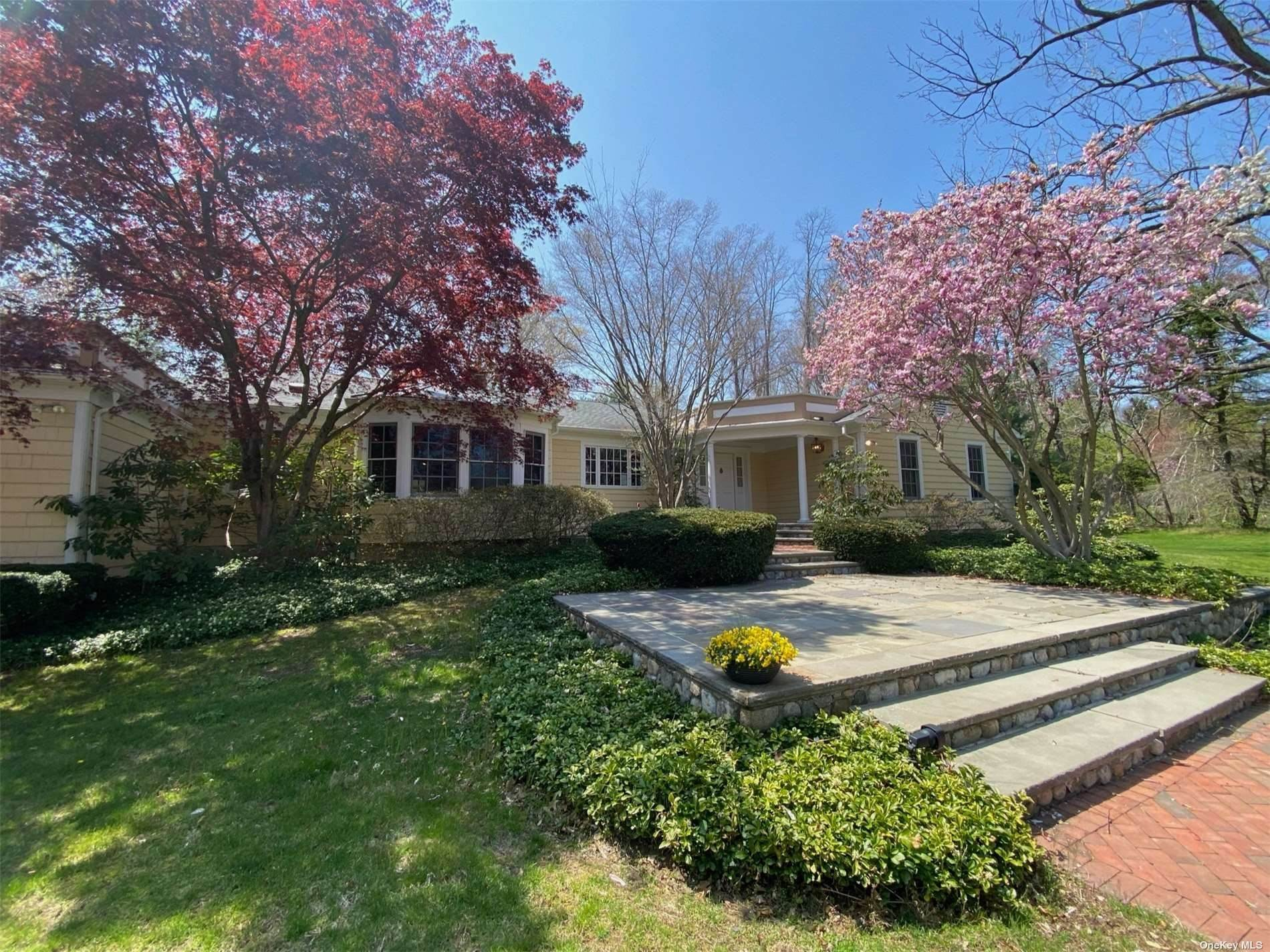 Residential for Sale at 540 Chicken Valley Road Locust Valley, New York 11560 United States