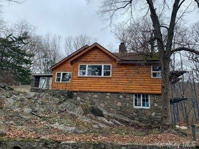 Residential for Sale at 31 Twin Oaks Trail Hewitt, New Jersey 07421 United States