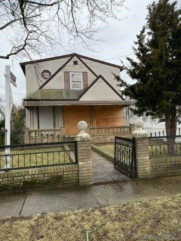 Residential Income for Sale at 239-52 148th Avenue, Rosedale, NY 11422 Rosedale, New York 11422 United States