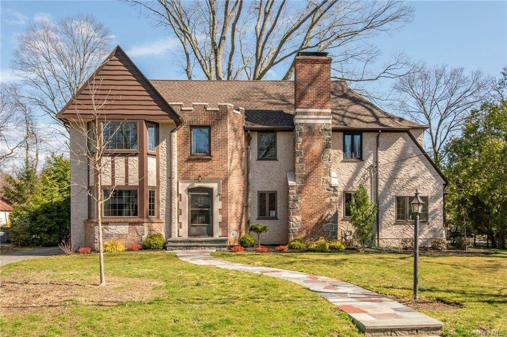 Residential Lease at 152 Brewster Road Scarsdale, New York 10583 United States